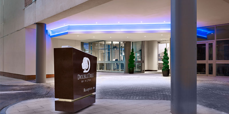 double tree by hilton woking enterance