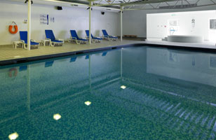 Holiday Inn Guildford pool