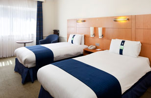 Holiday Inn Guildford rooms 2