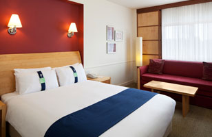 Holiday Inn Guildford rooms 3