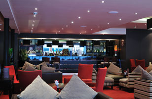 Holiday Inn Woking lounge 2