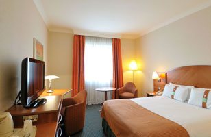 Holiday Inn Woking rooms