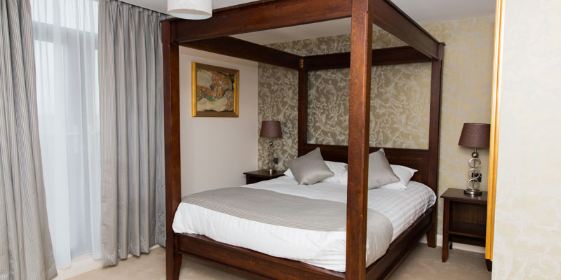 hogs back hotel and spa farnham four poster