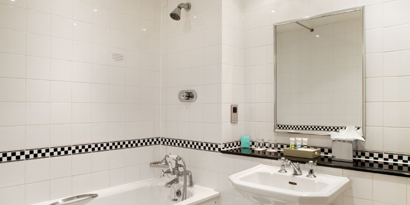 mercure white horse bathroom