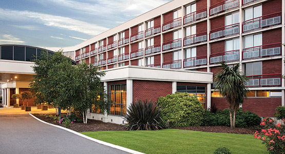 Hotels Near Chessington With Family Rooms